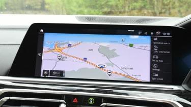 Jaguar XE - rear tracking