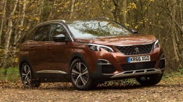 3008 minutes in a Peugeot 3008 - off road cornering