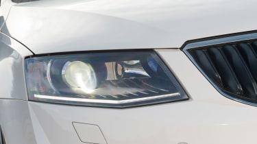 Used Skoda Octavia - front light