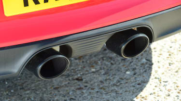 Porsche 911 Carrera T - exhausts
