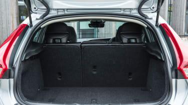 Volvo V40 2016 - boot space