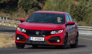 Honda Civic 2017 red - front cornering