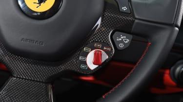 Ferrari 488 GTB 2016 - steering wheel