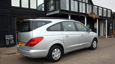 SsangYong Rodius rear three-quarters