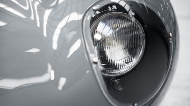 Jaguar D-Type continuation headlight