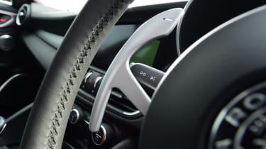 Alfa Romeo Giulia - Paddleshifter