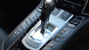 Porsche Panamera 2014 gearstick