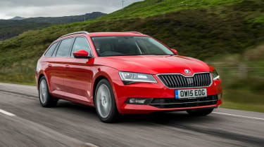 Skoda Superb Estate - front tracking
