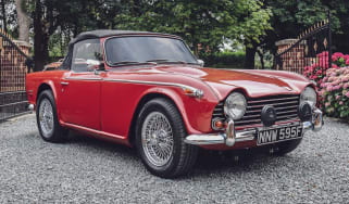 Triumph TR5 front red