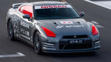 Remote control Nissan GTR/C - top front corner