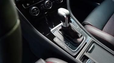 Volkswagen Golf GTI 2017 facelift red - gearlever