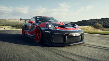 Porsche 911 GT2 RS Clubsport - front tracking