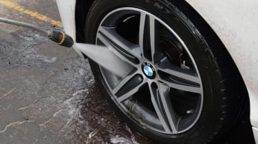 Car wheel wash