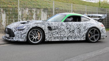 Mercedes AMG GT R Black Series - side tracking spy