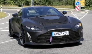Aston Martin Vantage V12 - front