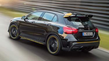 Mercedes-AMG GLA 45 Night Edition 2017 - rear tracking