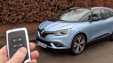 Renault Grand Scenic - keyless entry