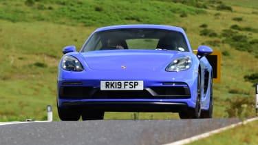 Porsche 718 Cayman - front driving