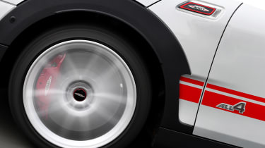 MINI Clubman JCW - wheel action