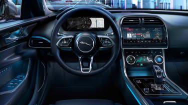 Jaguar XE - dash