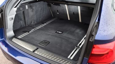 BMW 5 Series Touring - boot