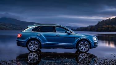 Bentley Bentayga Hybrid - side