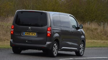 Peugeot Traveller 2017 - rear cornering