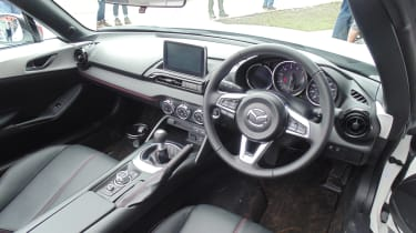 Mazda MX-5 Icon - dash