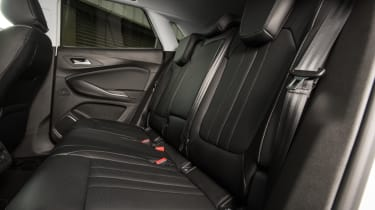 Ultimate trim rear leather seats