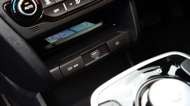 Kia e-Niro long termer - first report phone holder