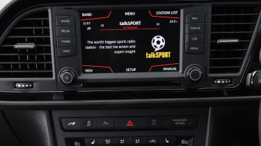 SEAT Leon Cupra ST 290 - infotainment screen