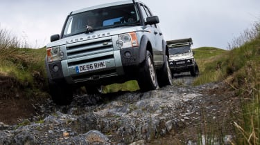 Green Laning  - Land Rover Discovery rocky road