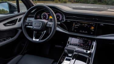 Audi Q7 60 TFSI e - dash