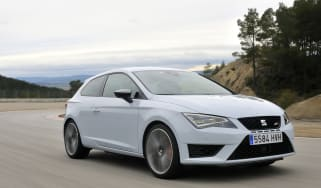 SEAT Leon Cupra SC front tracking