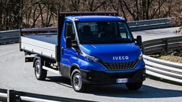 IVECO Daily Cab tipper - front cornering