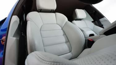 Porsche Macan - front seats