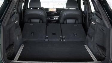 Audi SQ5 - boot seats down