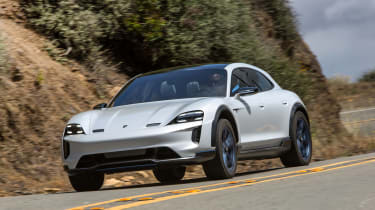 Porsche Mission E Cross Turimso - front cornering