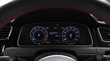 Volkswagen Golf GTI - dials