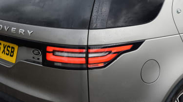Land Rover Discovery - rear light details