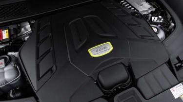 Porsche Cayenne Turbo S E-Hybrid - engine