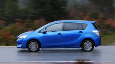 Toyota Verso panning