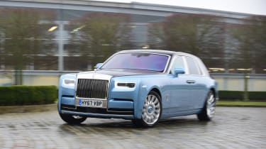 Building a Rolls-Royce Phantom - front action