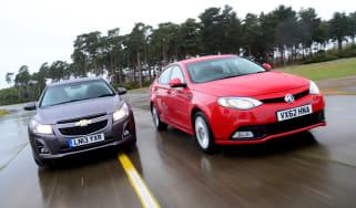 Chevrolet cruze vs MG6