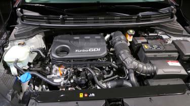 Kia Stonic - studio engine
