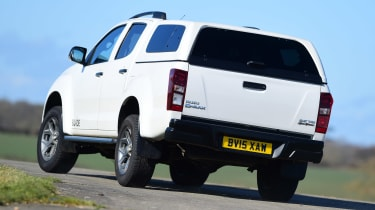Isuzu D-Max - rear cornering