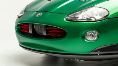 Petersen Automotive Museum - Jaguar XKR James Bond - rocket launchers