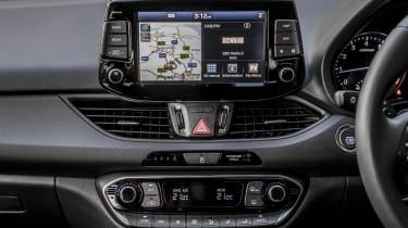Hyundai i30 Fastback - infotainment