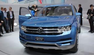 Volkswagen CrossBlue revealed
