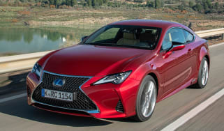 Lexus RC 300h F-Sport - tracking front quarter